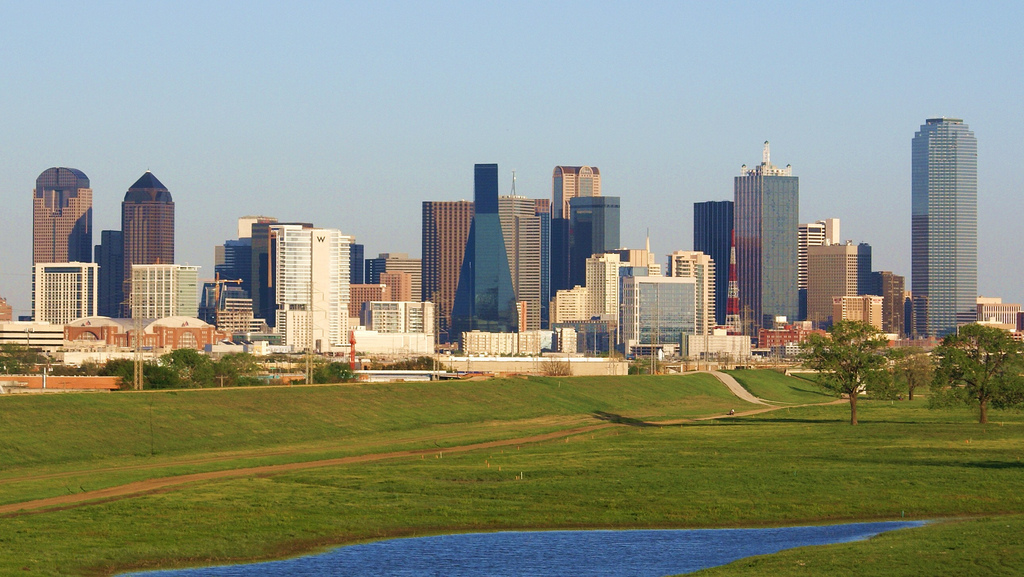 Downtown_Dallas_from_the_Trinity_River