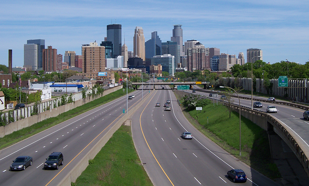 I-35W_and_Minneapolis_skyline_5