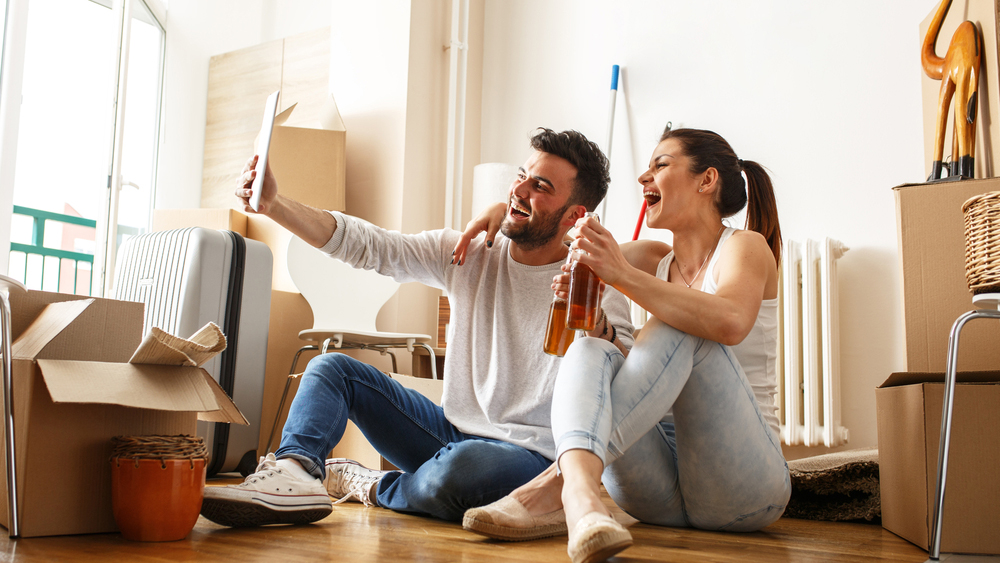 renters-moving-in